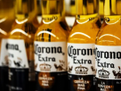 """ขายไม่ออก! เบียร์ """"โคโรนา"""" โดนวิกฤติไม่รู้ตัว หลังมีไวรัสมรณะโคโรนา"""